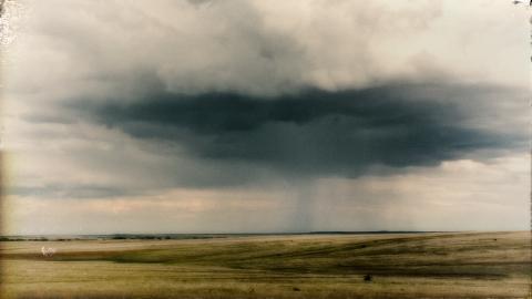 The Comfort of Horizon / photograph